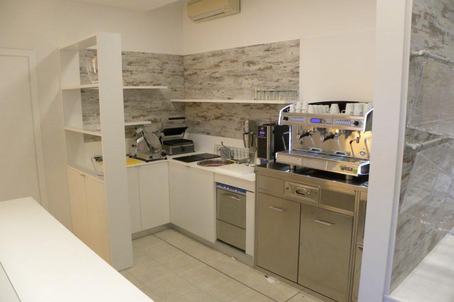 Arredamento negozi attrezzature alimentari for Negozi arredamento brianza